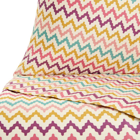 Cotton satin bed linen set with zigzag pattern