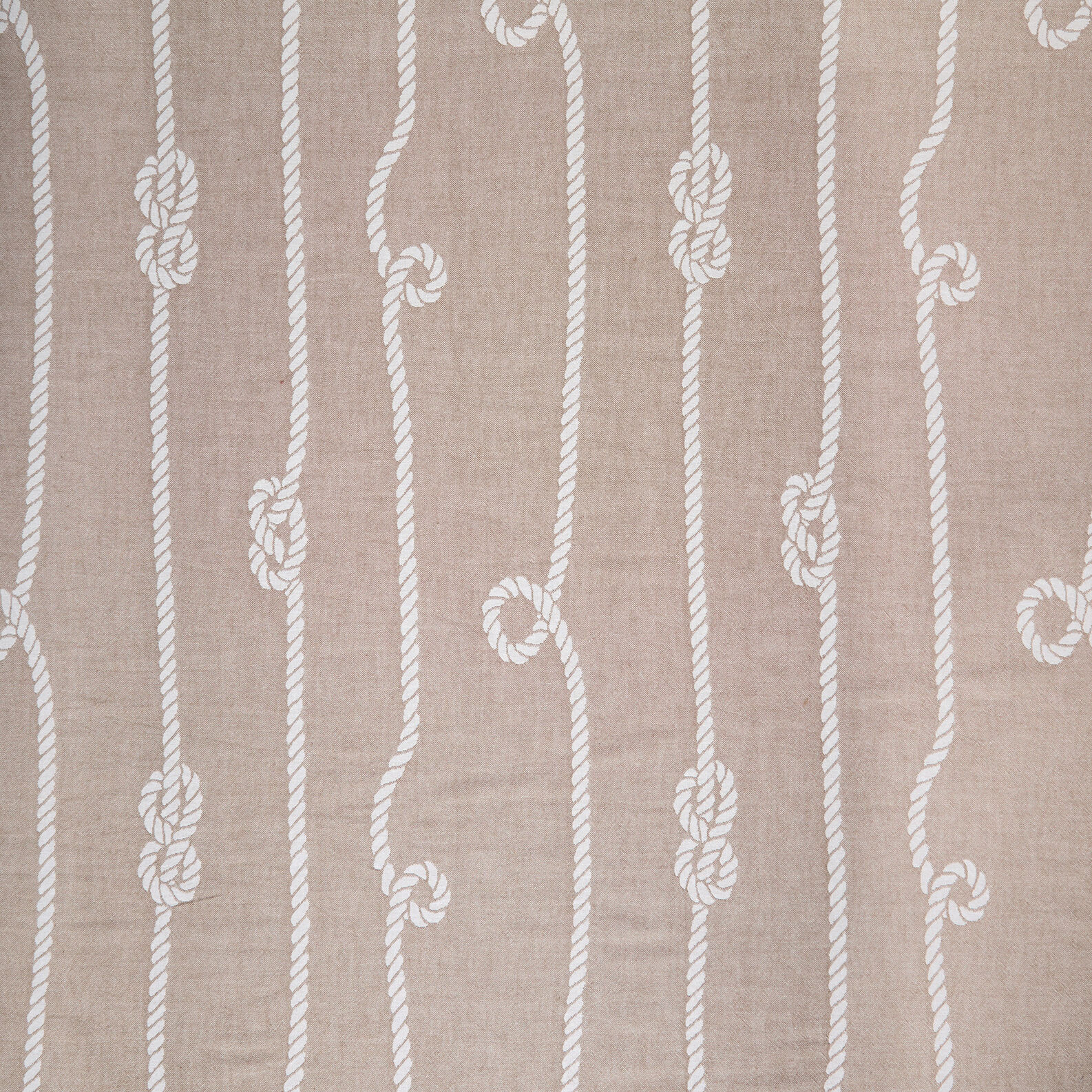 Beach towel in cotton with nautical knots motif