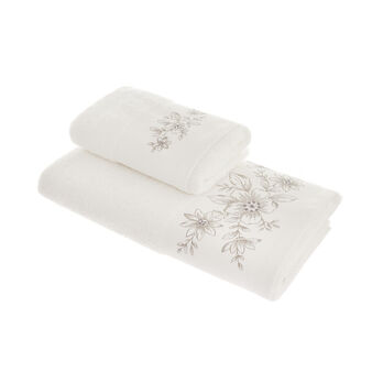 100% cotton towel with flower embroidery