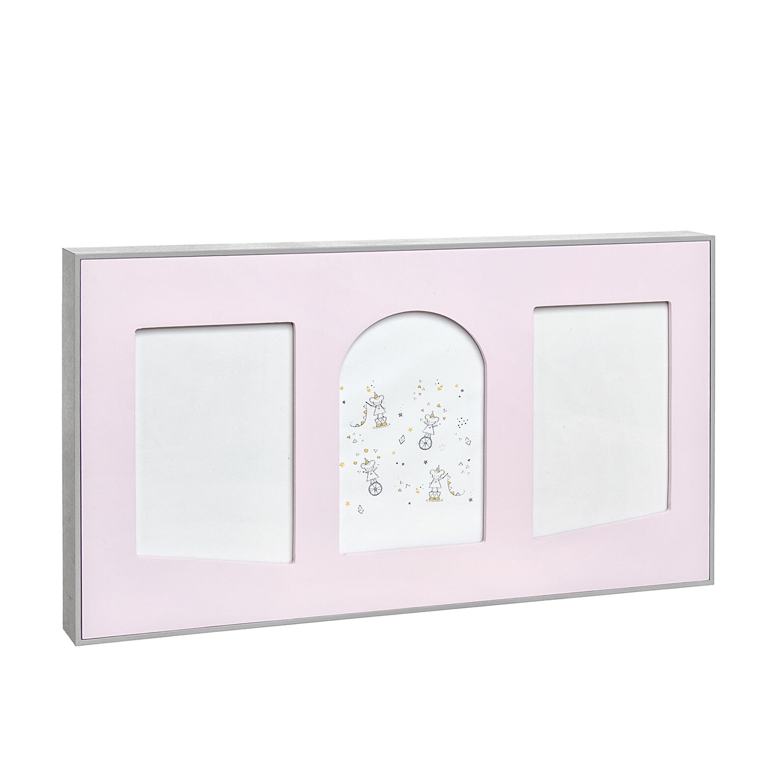 Photo frame with arc-shaped mount board