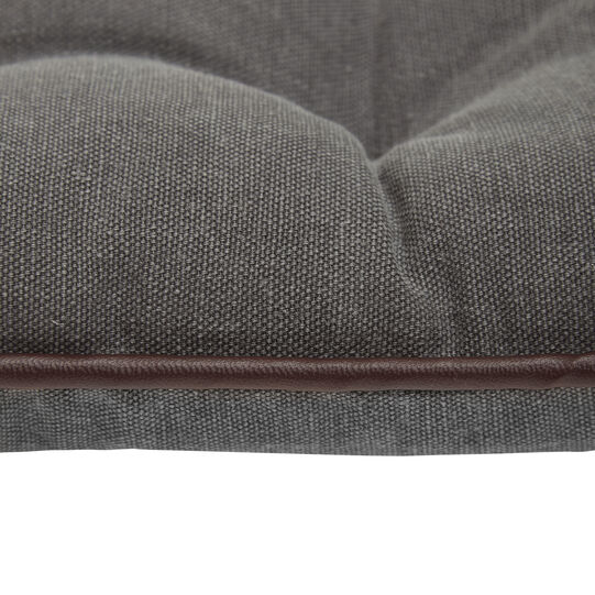 100% stonewashed cotton seat pad with pleather trim