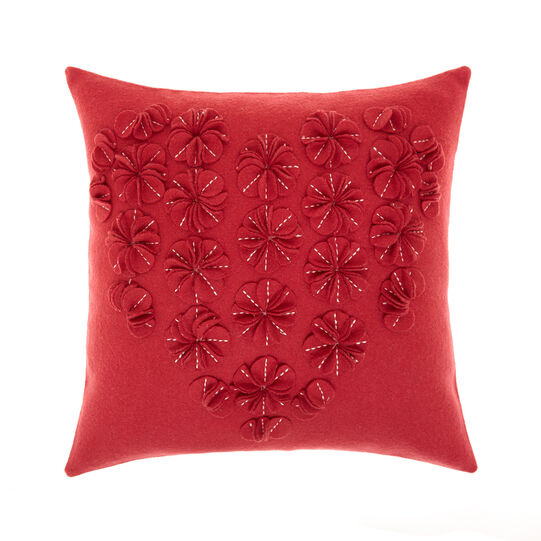 Cushion with heart motif application 45x45cm
