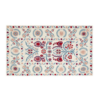 Hand-embroidered cotton rug with floral motif