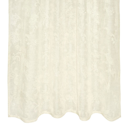 Curtain with paisley embroidery