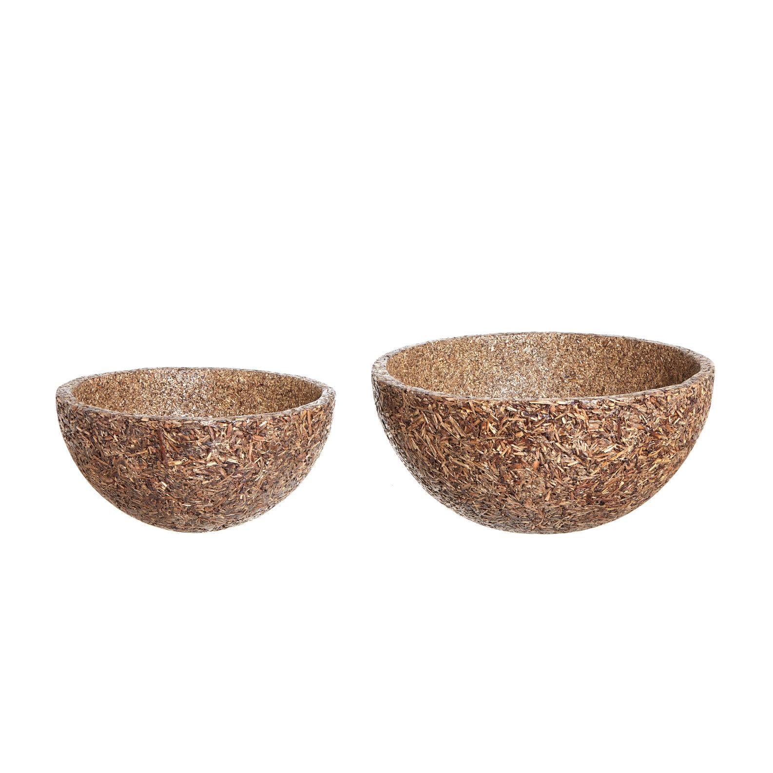 Decorative bowl in agroforestry debris