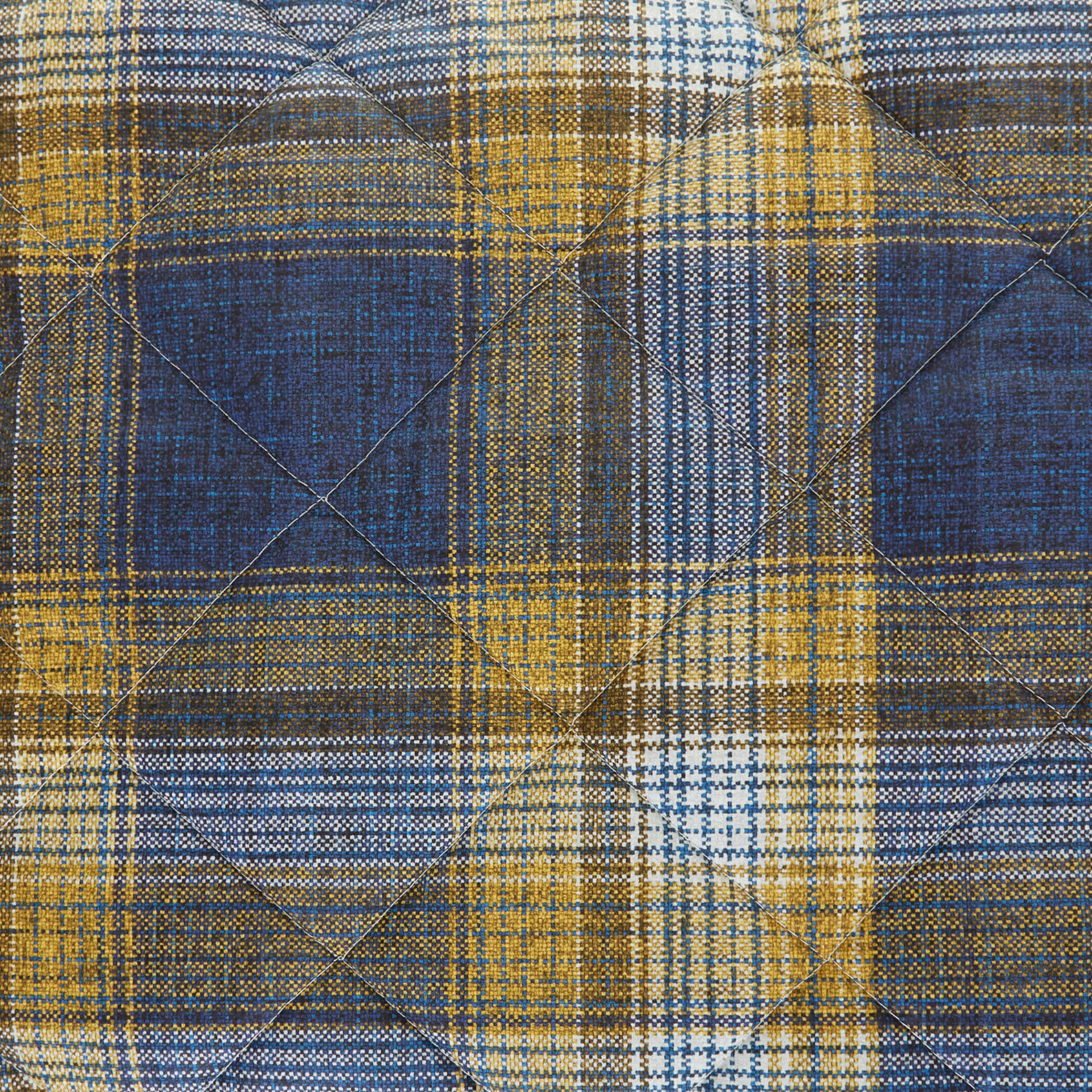 Quilt in 100% cotton with tartan print