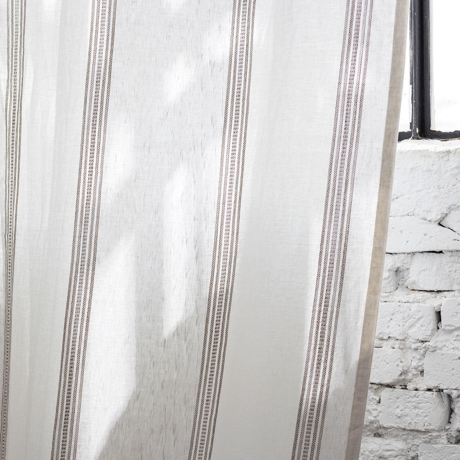 Striped linen jacquard curtain with hidden loops