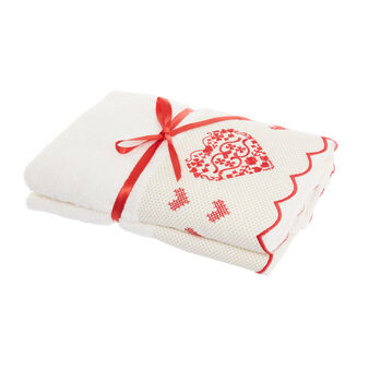 Set of 2 towels with embroidered hearts