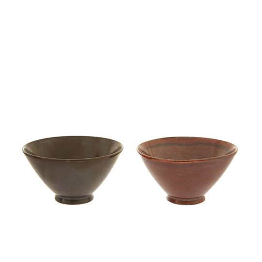 Small bowls in distressed-effect stoneware