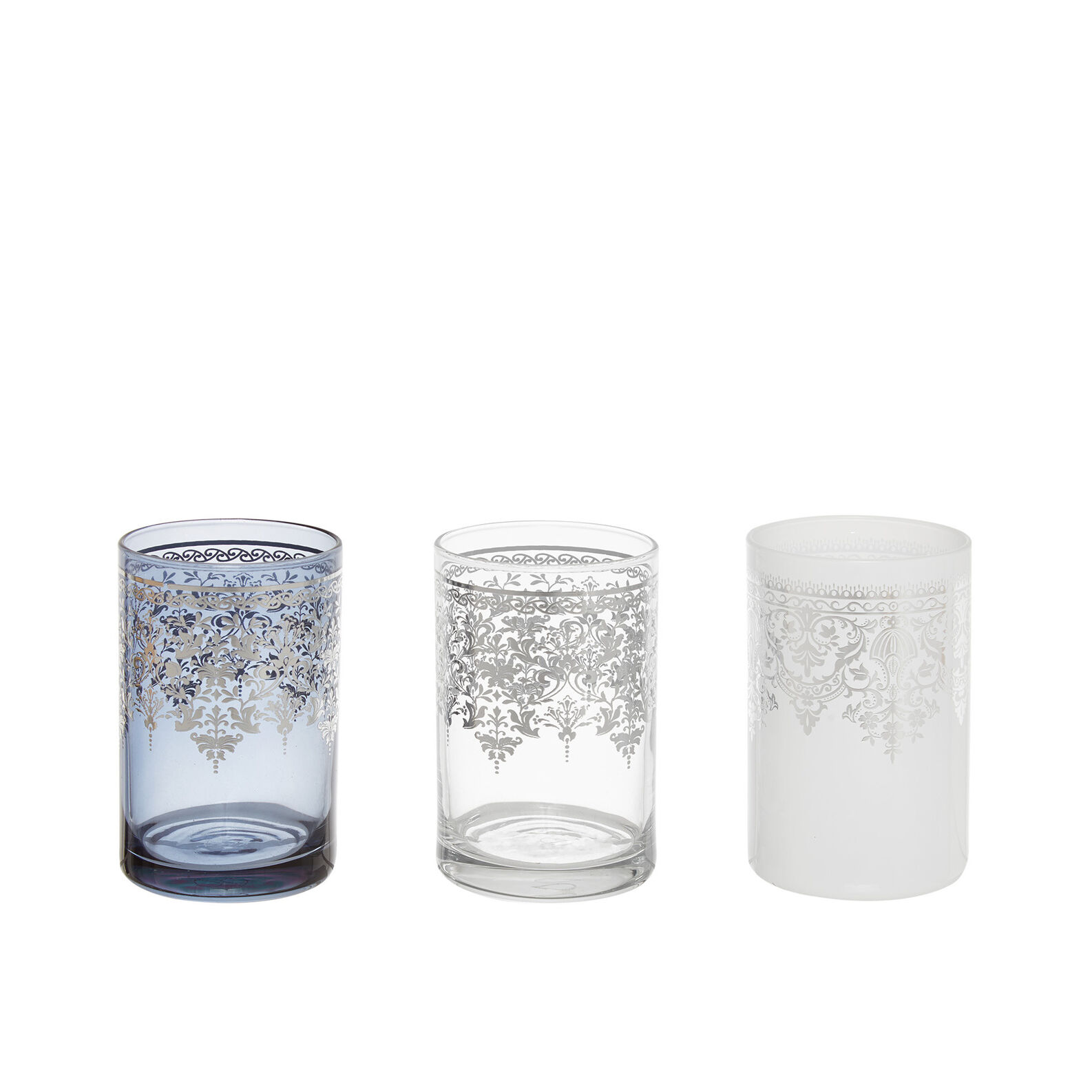 Tea cups in Moroccan-style glass
