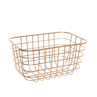 Basket in polished gold wire