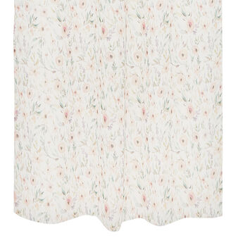 Curtain with small flowers motif