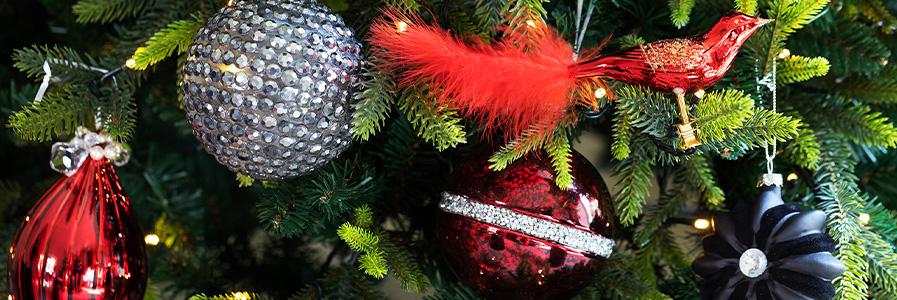 Oviesse Decorazioni Natalizie.Palline Di Natale Luci Natalizie E Addobbi Di Natale Coincasa