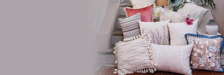 Cuscini arredo decorativi per divani coincasa - Federe cuscini divano ...