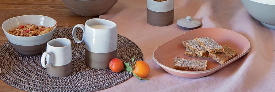 Vassoi in legno acciaio e alzate per dolci coincasa for Tavola per cucina